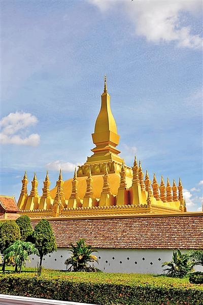 """假期旅游何处去 离开""""老窝""""奔老挝"""